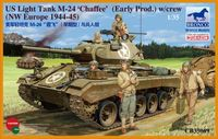American Light Tank M24 Chaffee (WWII Prod.) with Tank Crew Set