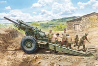 M1 155mm Howitzer with Crew
